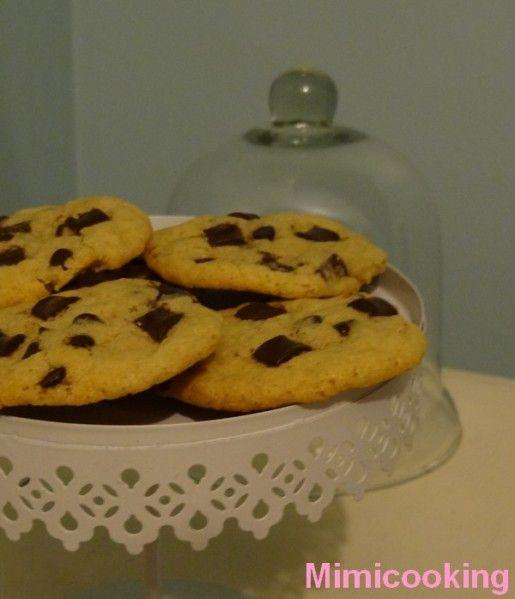 Bonjour, voici encore une recette de cookies. Après en avoir testé plusieurs c'est celle-ci que je préfère pour le moment, sûrement grâce au beurre demi-sel qui apporte quelque chose de différent. Retrouvez toutes mes recettes et autres informations culinaires...