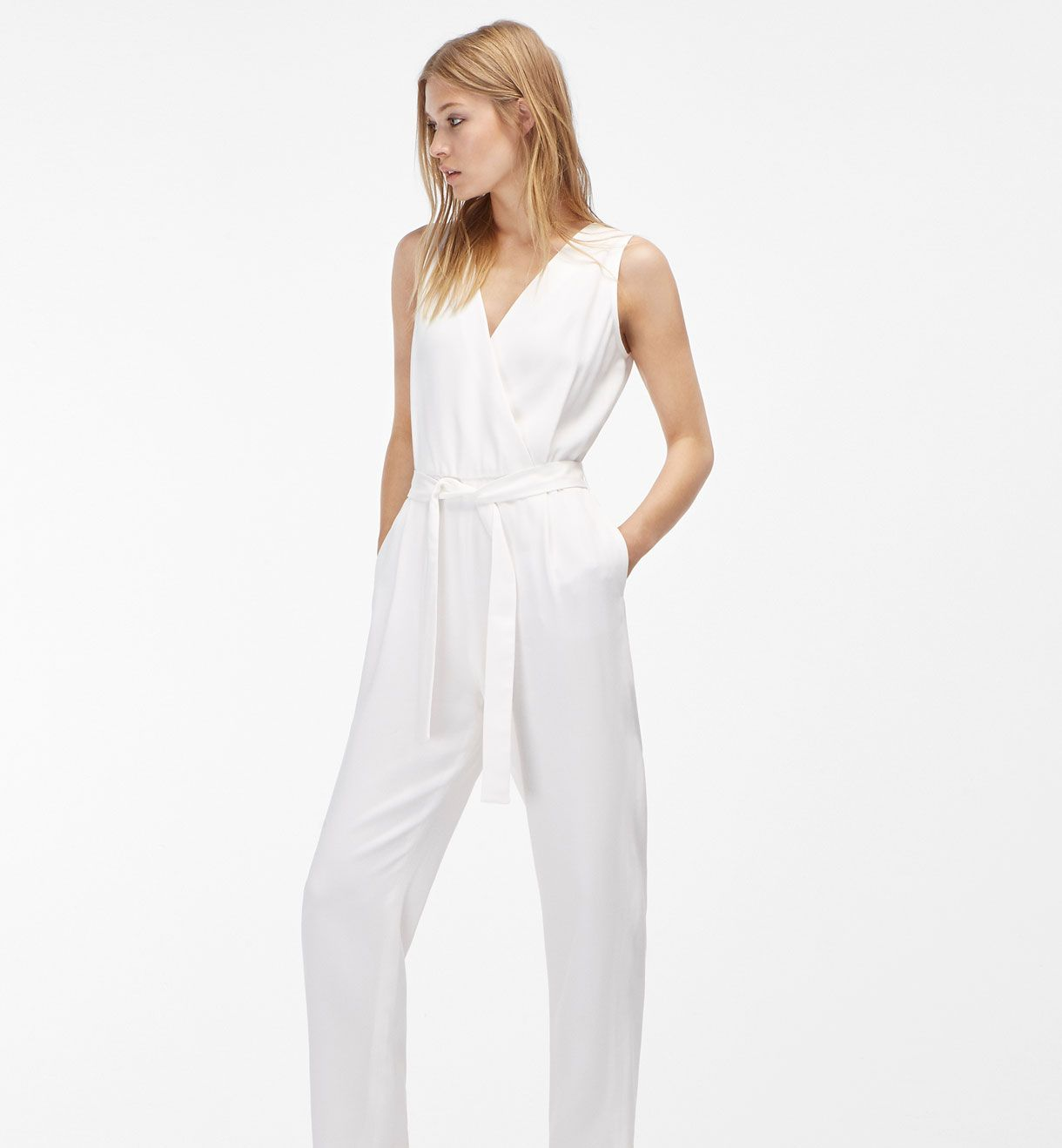d4674225 MONO BLANCO | Massimo Dutti : Must-Have en 2019 | Moños para mujer ...