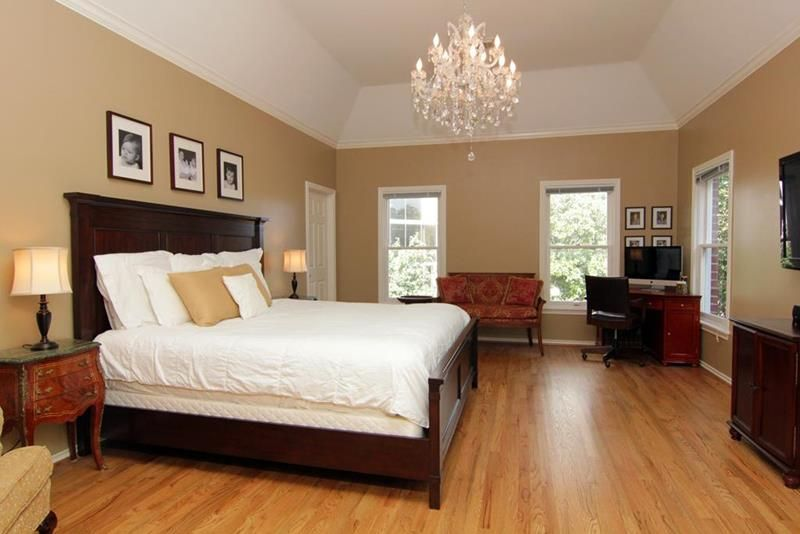 28 Master Bedrooms With Hardwood Floors Page 2 Of 6 Oak Wood Floors Bedroom Wood Floor Cherry Bedroom Furniture