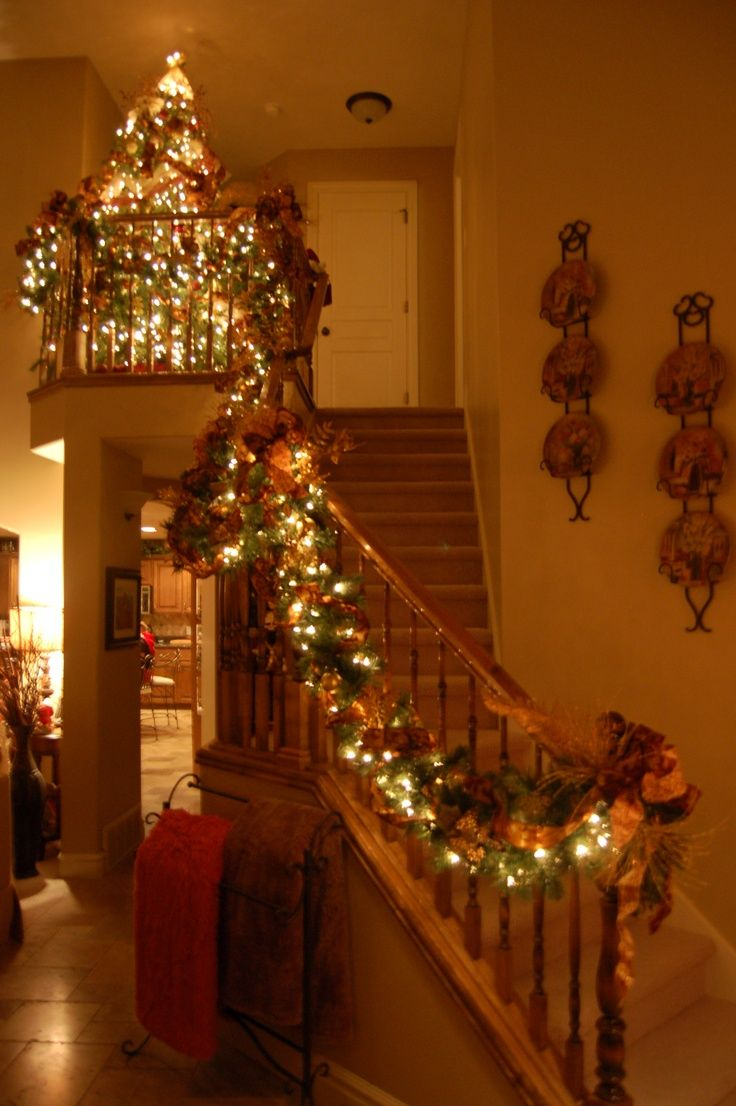 pinterest christmas staircase decoration