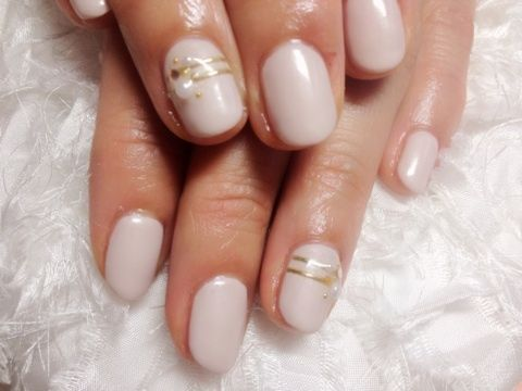 Nail art design for short nails simple one color white gold nail art design for short nails simple one color white gold line prinsesfo Gallery