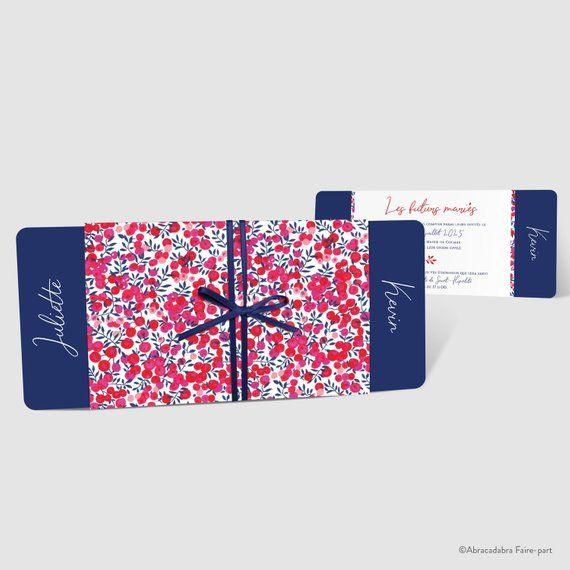 Faire-part de mariage – Couverture en Liberty Wiltshire Rouge et feuillet fond bleu, liseré Liberty – Ruban satin bleu marine – Réf. JAMOO
