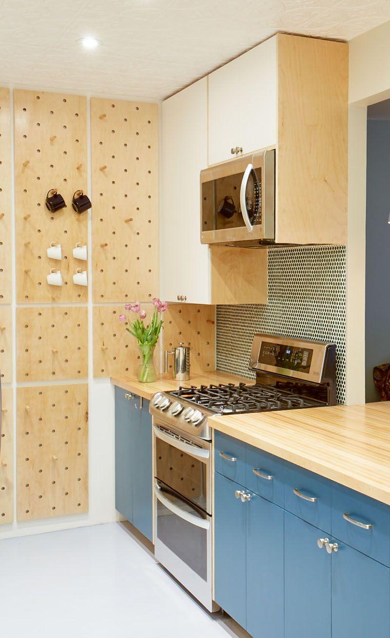 Confira Essa Pequena Cozinha Com Painel Pegboard E Prateleiras Abertas Ideias Difees