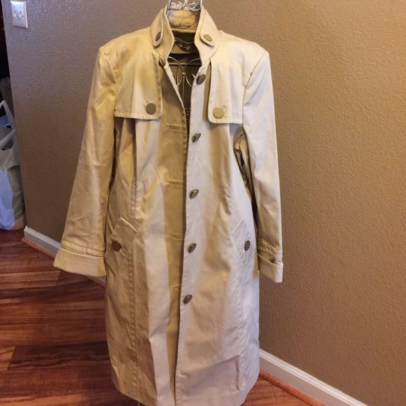 Tommy Hilfiger size large Like new size large Tommy Hilfiger Jackets & Coats Trench Coats
