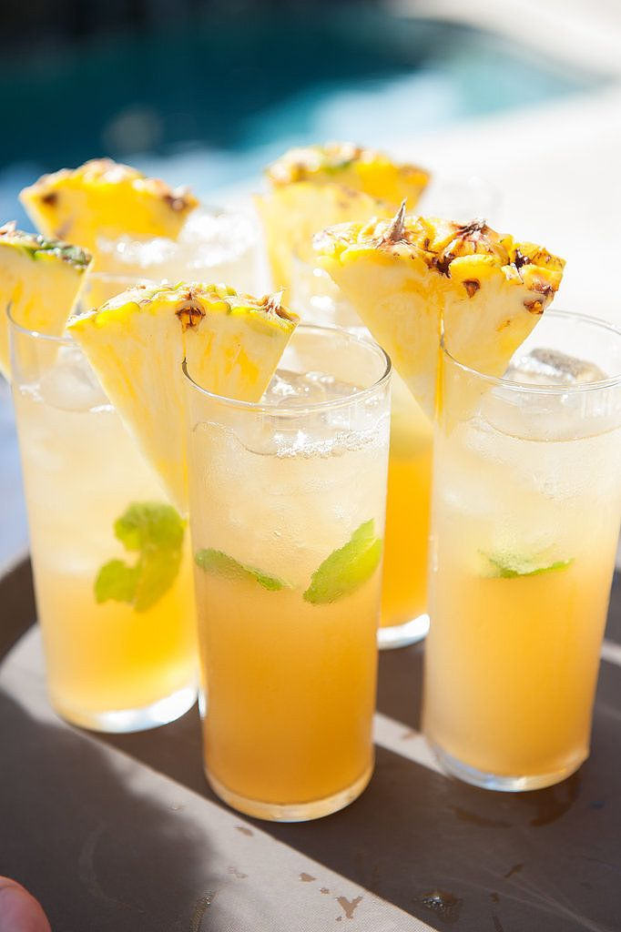 Pineapple cocktails = the perfect Summer drink