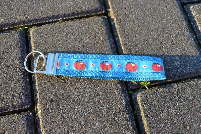 """Schlüsselband """"Äpfel"""" von FrauGrasWieHeu13 auf DaWanda.com"""
