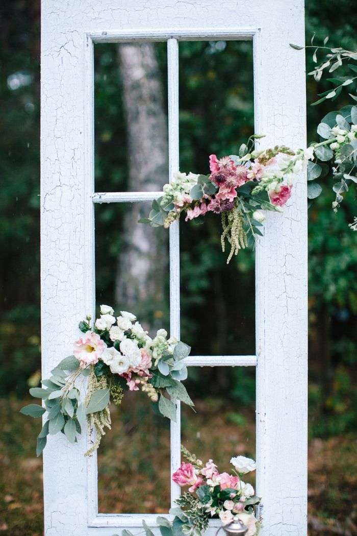Woodland themed wedding - Rustic wedding decor | fabmood.com