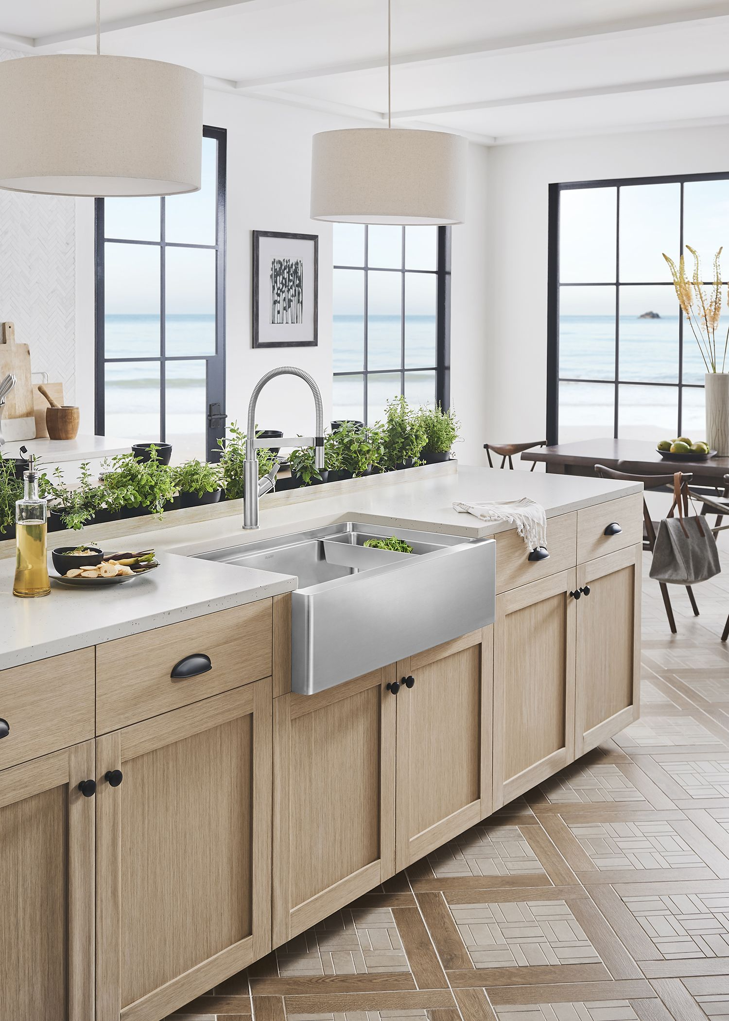 Contemporary Style For A Chic Farmhouse Kitchen Sink Look The