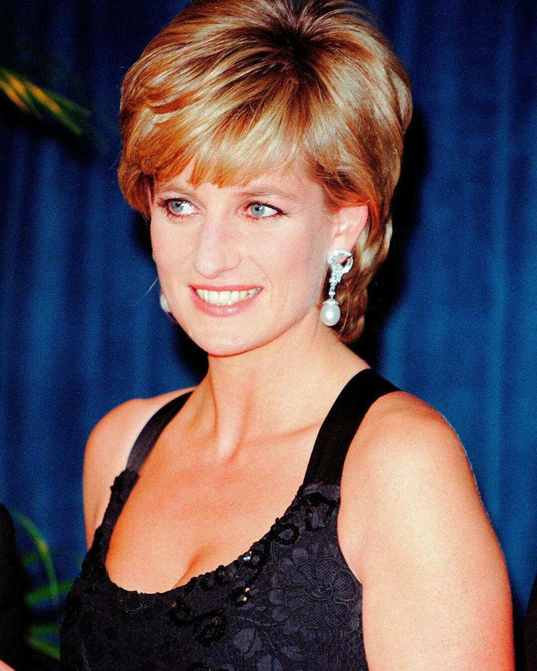Pin De Rose Ryan En Princess Diana Peinados Princesa Diana Princesas