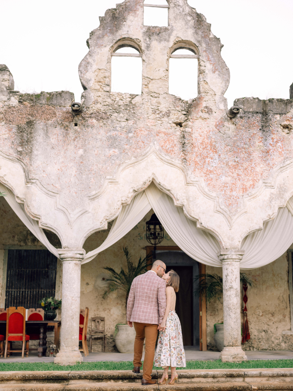 Influencer Stephanie Hill's Guide to Mastering Engagement Photos -  Stephanie Hill of The Style Bungalow took her engagement photos with KT Merry in Mérida, Mexico. H - #Engagement #EngagementPhotosclassy #EngagementPhotosindian #EngagementPhotoswoods #formalEngagementPhotos #guide #Hills #Influencer #Mastering #naturalEngagementPhotos #Photos #plussizeEngagementPhotos #rusticEngagementPhotos #Stephanie #whattowearforEngagementPhotos