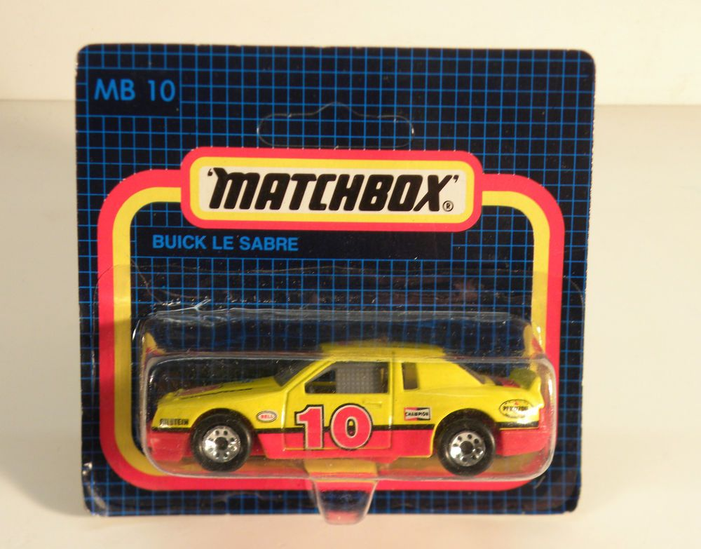 MATCHBOX LESNEY MB10 BUICK LESABRE NASCAR 1/64 SCALE VTG
