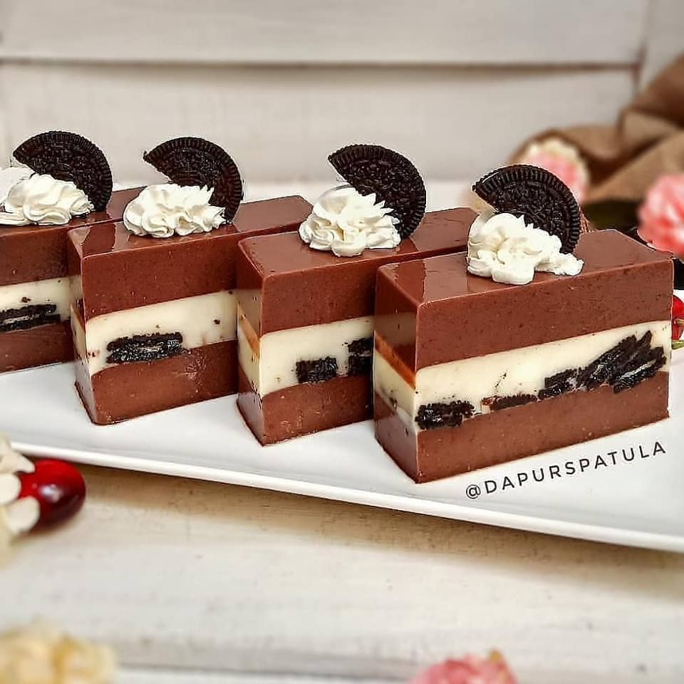 Resep Dan Cara Membuat Puding Coklat Lapis Oreo Puding Pudding Desserts Makanan