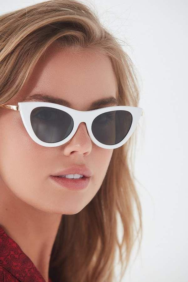 d53a346c984 Enchantress Cat-Eye Sunglasses  construction metal Molded