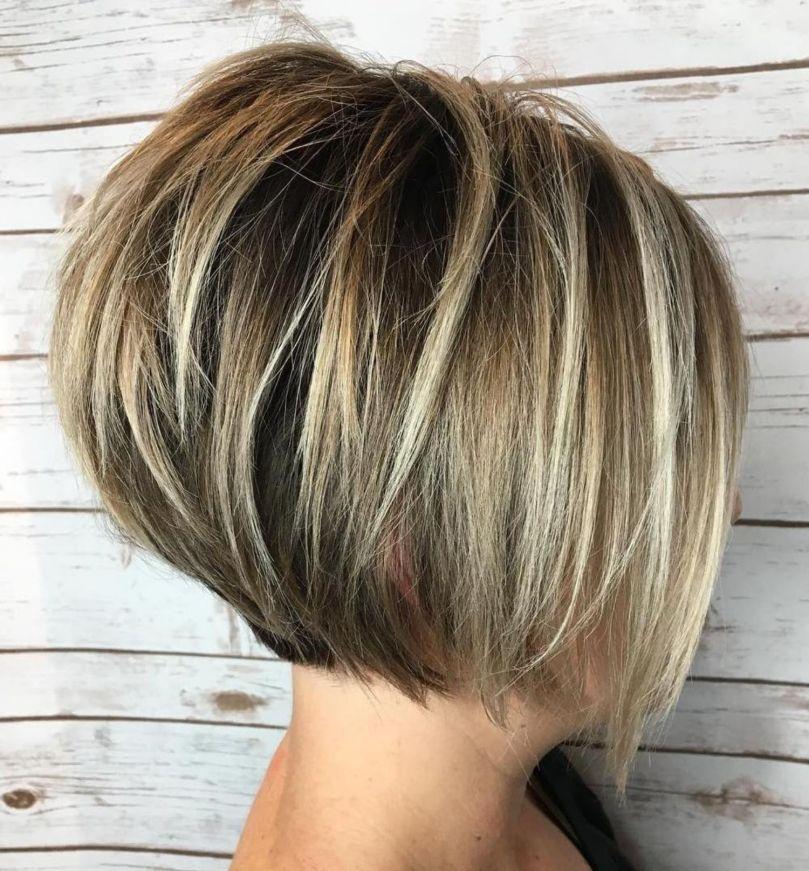 50 Trendy Inverted Bob Haircuts en 2020 | Cheveux courts carré plongeant, Coiffure courte et ...