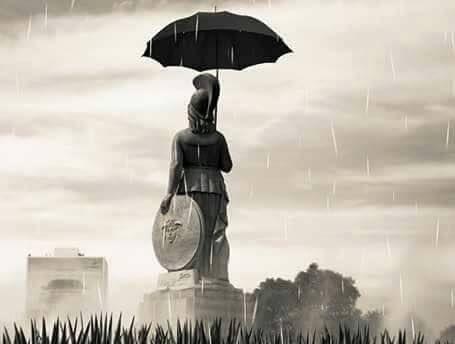 Nada se compara con el miedo que sientes cuando estás en Plaza de Sol y empieza a llover.