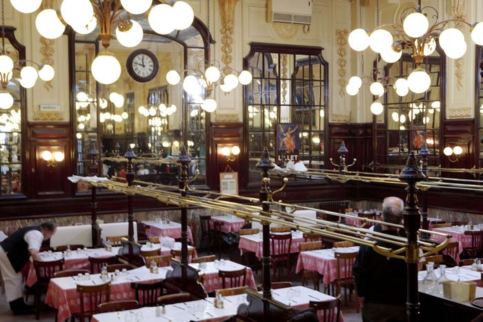 Restaurant Le Bouillon Chartier Famous In Paris That Totally Lives Up To It S Hype