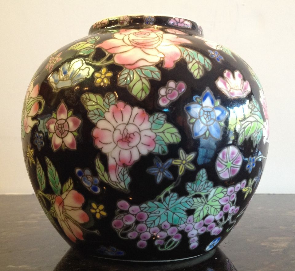 Famille Noir Million Flowers Rose Bowl Vase Jar Black