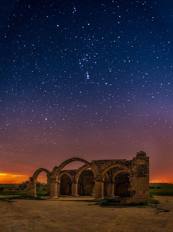 Temple by night by Tomasz Huczek on 500px