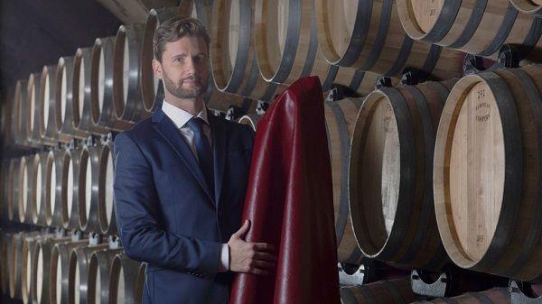couro ecológico vinho