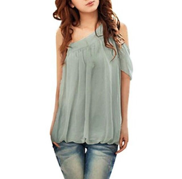 Material :  Chiffon  Color:  BLACK (not grey like how its seen in the picture)  Off the shoulder