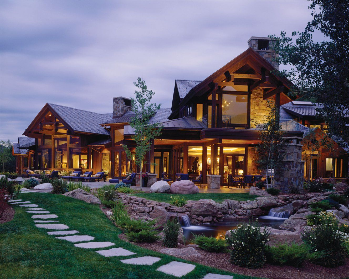 Logs and glass spectacular mountain home the lodge for Mountain home glass