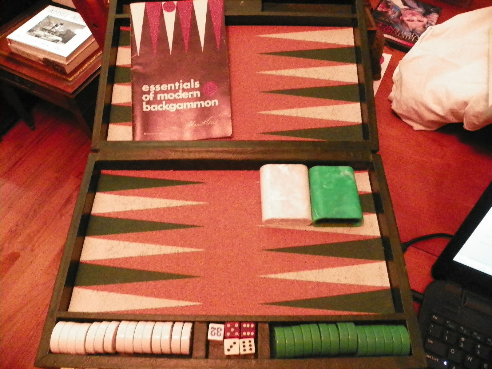 Vintage Crisloid Backgammon Game With Cork Board And Green Case