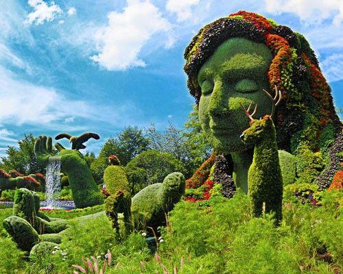 10 Fantastical Living Garden Sculptures