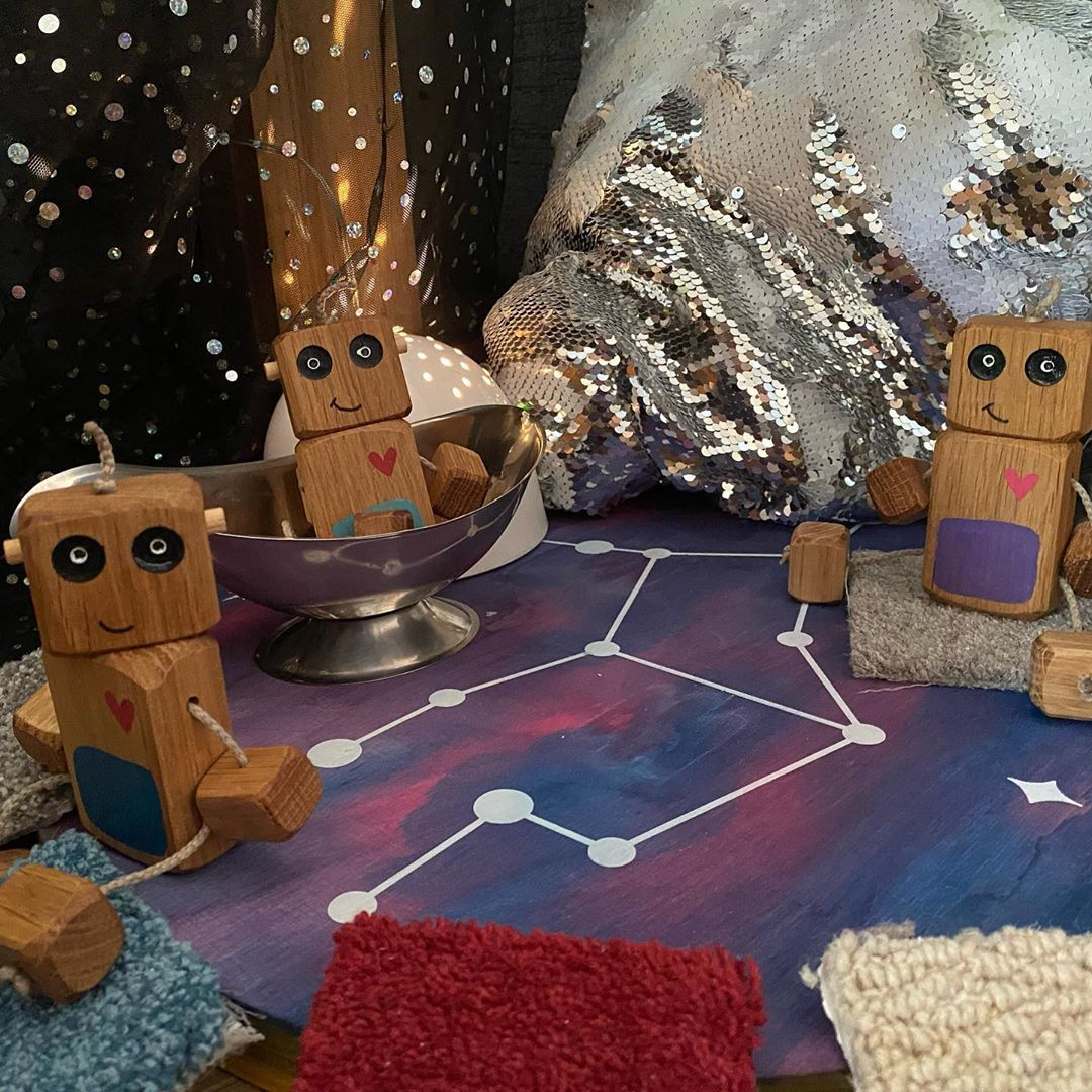 "Becki Agar on Instagram: ""Neds at going on a space adventure @rudiandbear #nedtherobot #looseparts #loosepartsplaytoday #childminder #eyfs #earlyyearseducation…"""