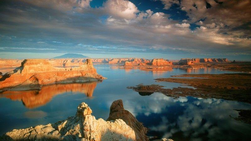 Gunsight Butte, Lake Powell, Glen Canyon, Utah Colour