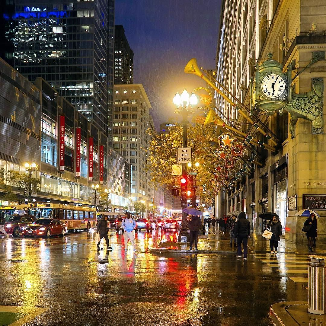 Home Decor Stores Chicago: Evening Walk To Home In Light Sprinkling And Noticed Macys