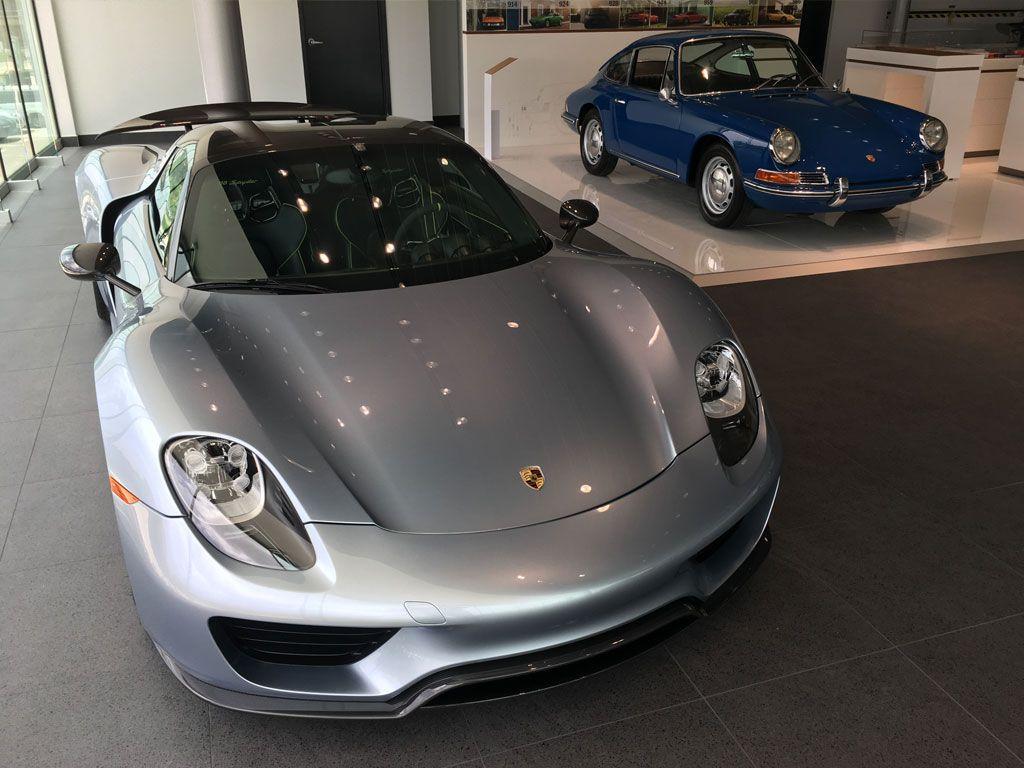 Porsche Spyder In Chrome on porsche 918 spyder liquid chrome, porsche 918 spyder in white, porsche 918 spyder in gold, audi r8 spyder in chrome,