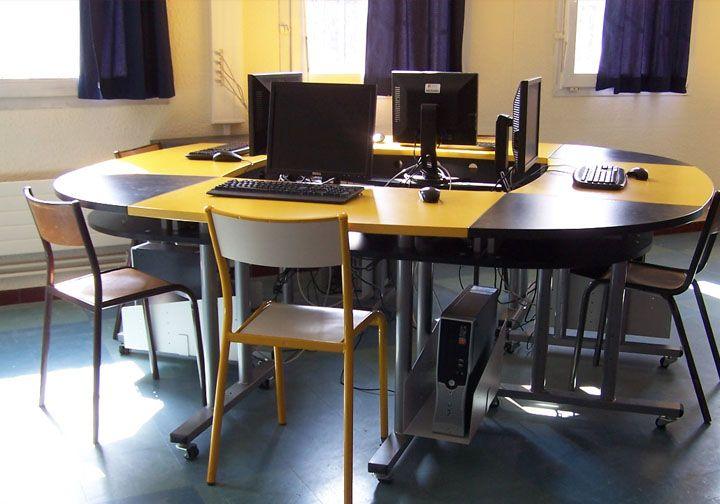 Ovaly : Îlot pour salle de cours 16 postes lycée avignon plus d
