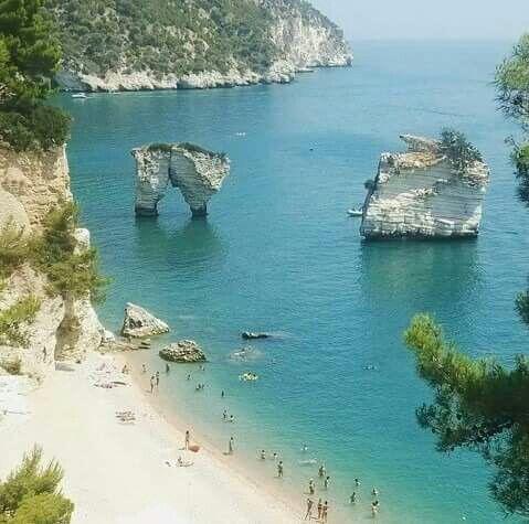 Baia dei Faraglioni, Mattinata, Puglia