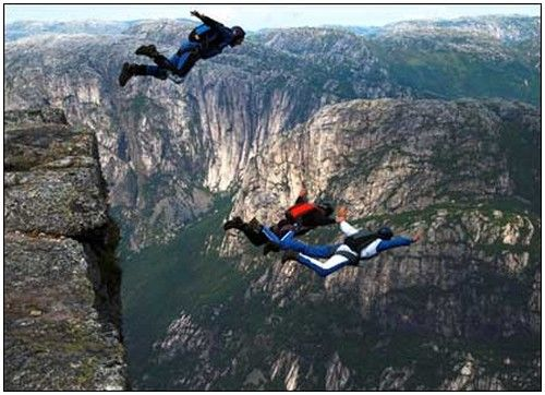 BASE Jumping | Base jumping, Extreme sports, Dangerous sports