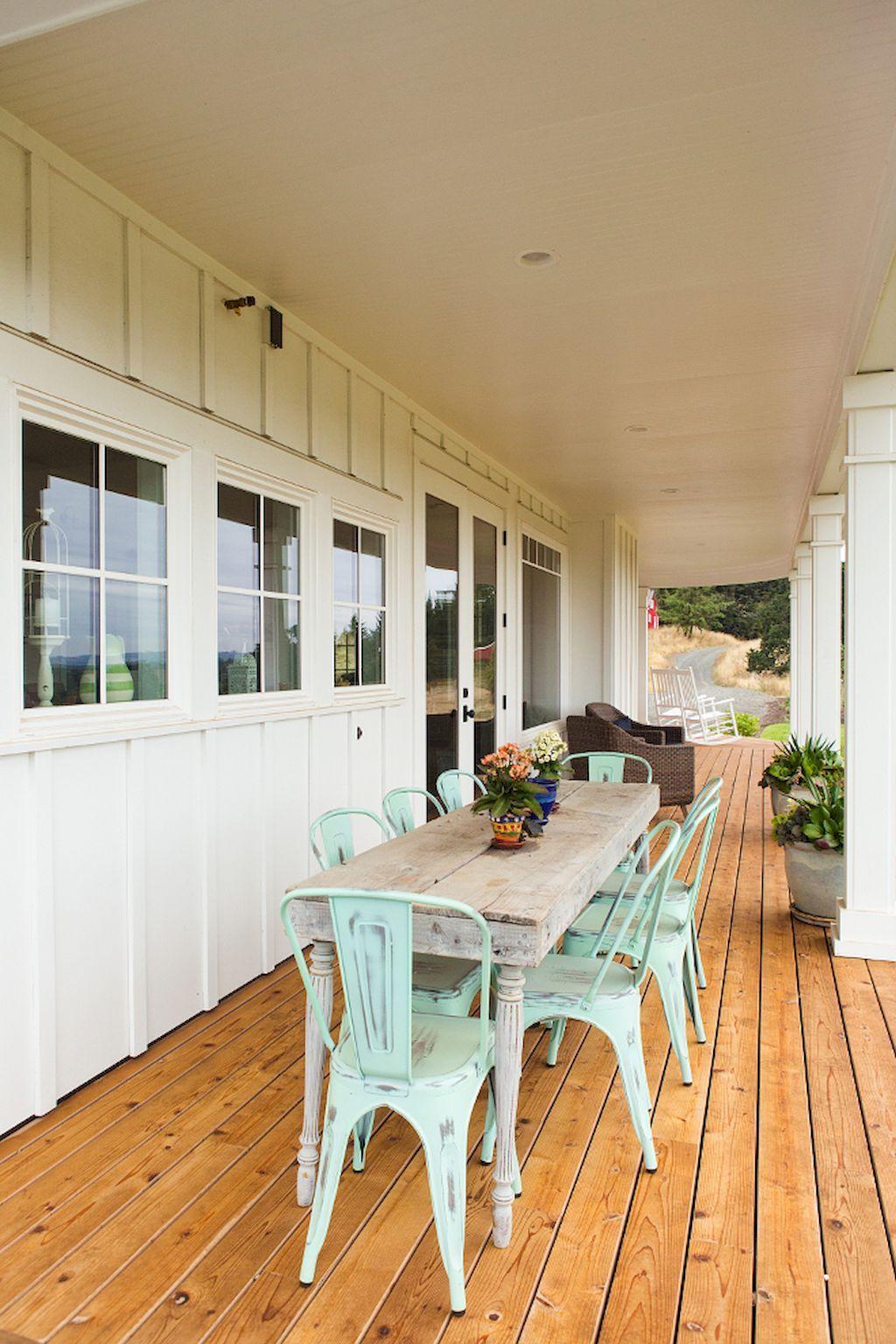 60 Rustic Farmhouse Porch Decor Ideas #rusticporchideas
