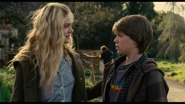 Dylan And Lily We Bought A Zoo With Images Elle Fanning