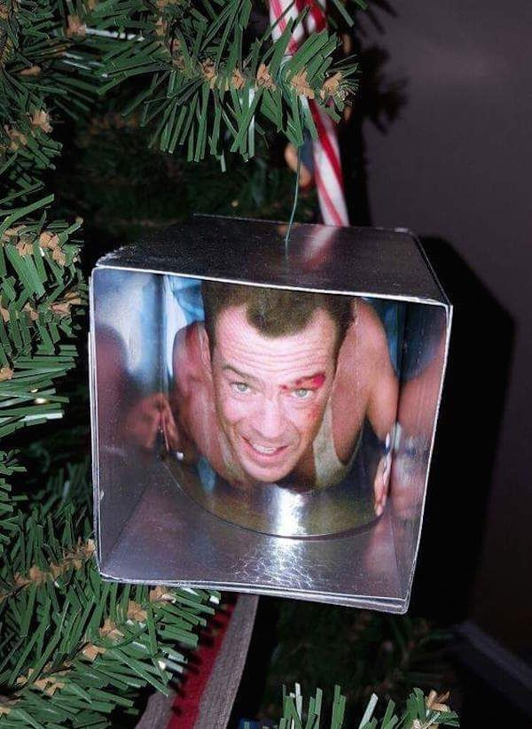 The Best Funny Pictures Of Today's Internet RuinMyWeek.com #funny #pictures  #photos #pics #humor #comedy #hilarious #christmas #tree #ornaments # ornament ... - The Best Funny Pictures Of Today's Internet Christmas Laughs
