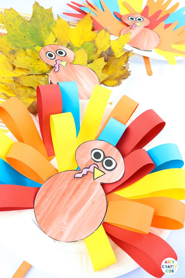 Paper Plate Handprint Turkey Craft #handprintturkey