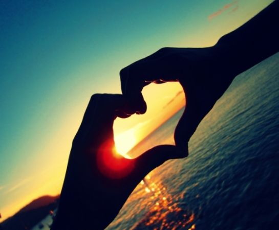 Photography Tips And Tricks Carlos Eduardo Paisagens Hand shaped love wallpaper in sunset