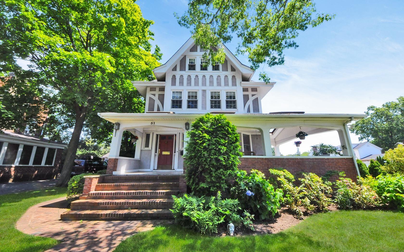 Garden City NY Homes | 51 Euston Rd Garden City, NY 11530 | Real ...