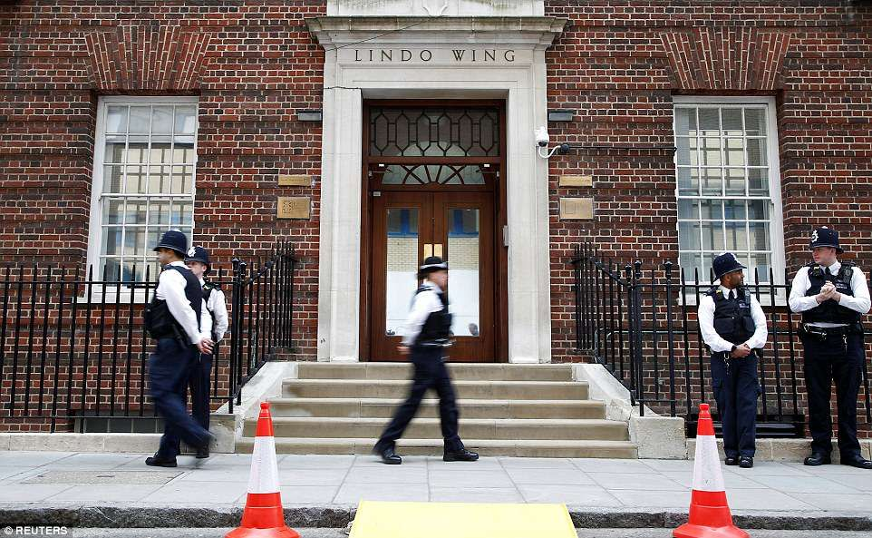 Duchess of Cambridge is admitted to the Lindo Wing