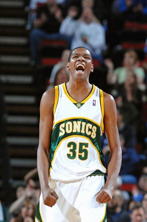 Já pensou se Kevin Durant decidisse sair do Thunder e ir pro Seattle  Supersonics  b43c2c7a9