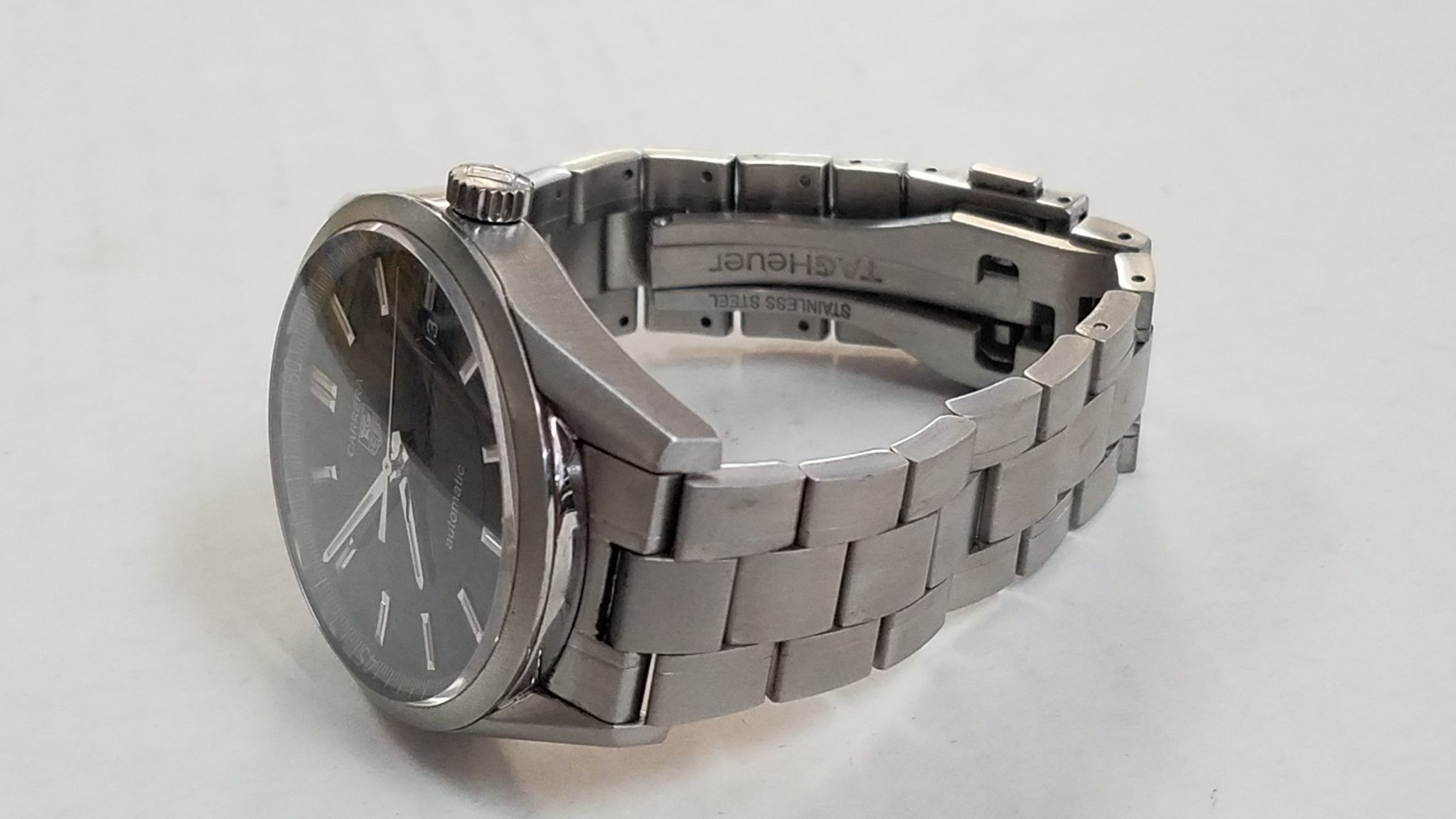 1321c4319b7 Tag Heuer Carrera Calibre 5 Mens Automatic WV211B-2 Pre-Owned in excellent  working condition, shows minimal wear please see pics.. Fits a 6 1/2 inch  wrist