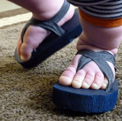 Baby shoes from old flip flops