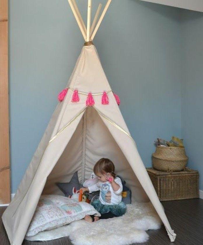 Comment Fabriquer Un Tipi 60 Idees Pour Une Tente Indienne Sympa Chambre Enfant Tipi Enfant Deco Enfant