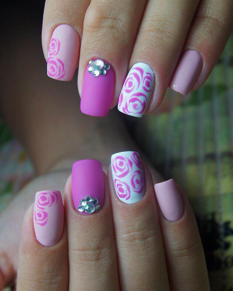 Beautiful pink nails, flower nail art, Ideas of colorful nails, Ideas of gentle nails, Manicure on the day of lovers, Nail designs with pattern, Nails with rhinestones ideas, Purple nails