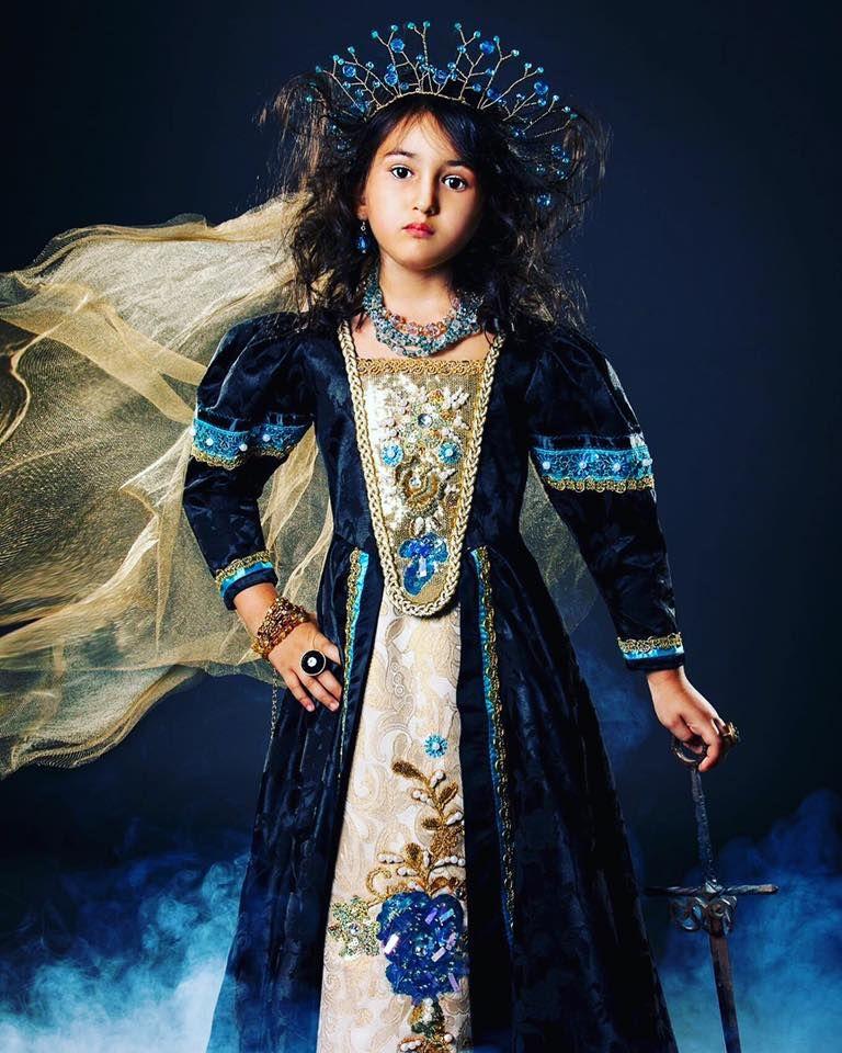 #russiandesigner #couture #hifashion #русскийдизайнер #kokoshnik #kids    #высокаямода #платьедлядевочки #дети    #jenkasfashion #gothic Photo by Marianne Luther