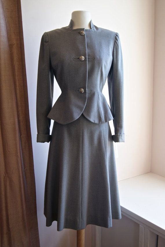 1940s Suit // Vintage 40s Grey Tailored Suit XS by xtabayvintage, $198.00