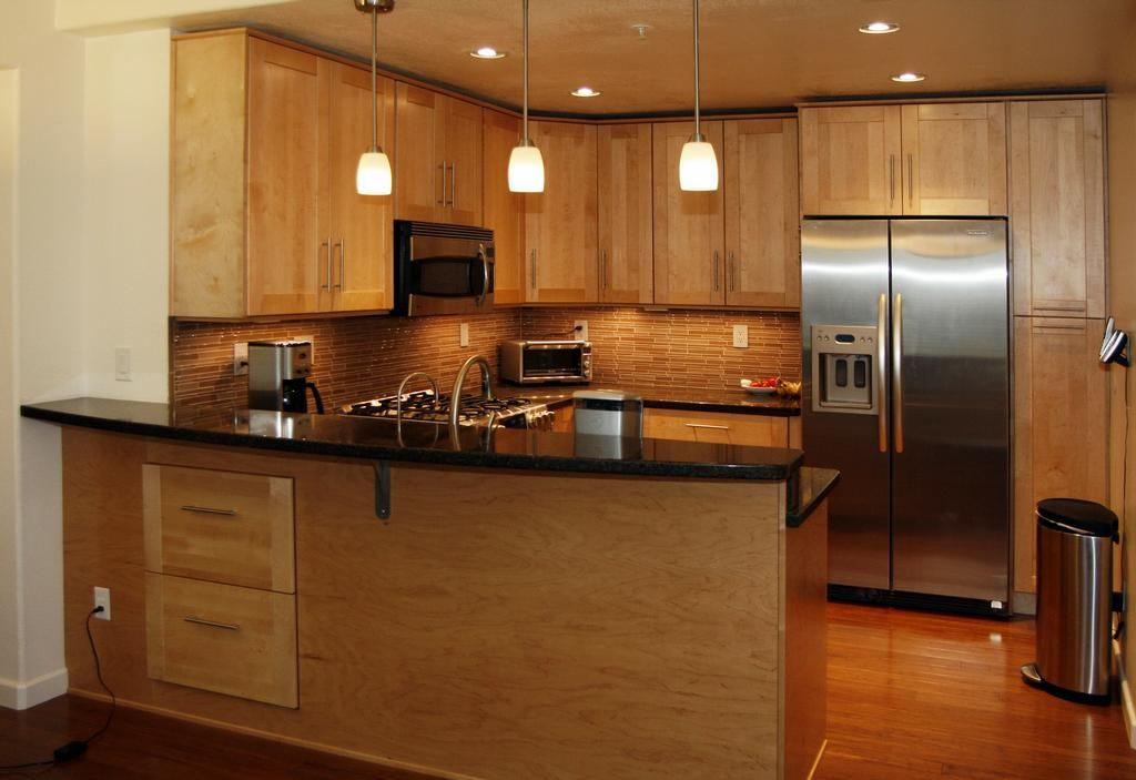 Maple Cabinets With Black Granite With Images Shaker