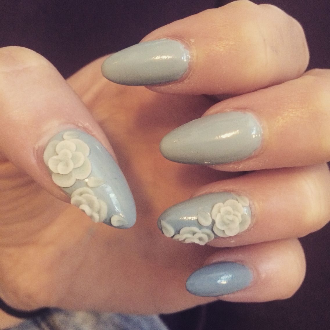 Grey Nails With Acrylic Flowers Gray Nails Nails Acrylic Flowers